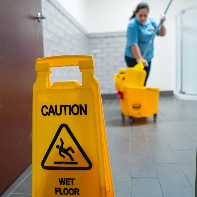 mop-floor-bathroom-cleaning